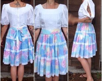 Vintage 50's Dress Eyelet Lace Bodice and Pastel Print and Lace Tiered Circle Skirt size Medium