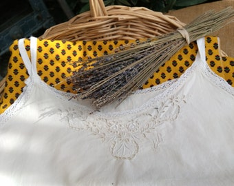 Victorian Off White Metis Linen Dress Lace Trim Floral Cut Worked Monogram French Nightgown or Slip Medium #sophieladydeparis