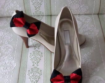 Black linen and red bow shoe clips vintage style glamour