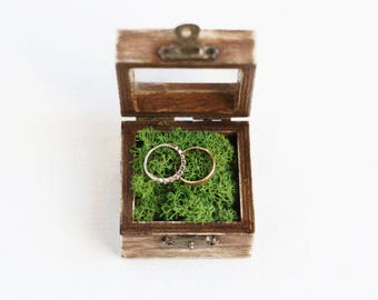 Wedding Ring Box With Glass-Like Acrylic Top, Rustic Ring Box, Ring Bearer Box, Wooden Wedding Box, Wedding Ideas, Shabby Chic Box With Moss