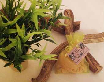 Free shipping for a set of 3 bags Jasmine scent for your cabinets and drawers