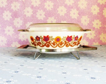 Briarwood JAJ Pyrex Casserole Dish with Lid and Metal and Hard Plastic Serving Stand, English Pyrex, Mid Century Serving Dish, 1970's Rare
