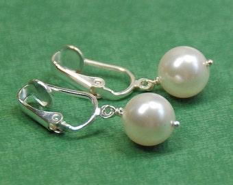 WHITE Pearl Clip On Earring, Swarovski Elements Single Pearl Earring, Bridal Earring, Bridesmaid Earrings, Clipon Earrings, Wedding Jewelry