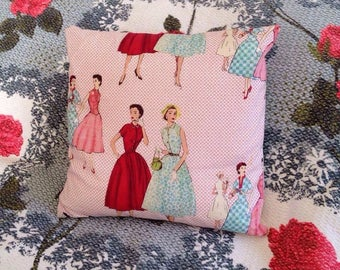1950s Fashion Ladies Small Cushion|Glamorous Housewives|Retro|Vintage Style|Pink|Floral