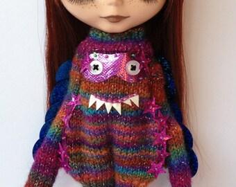 PDF knitting pattern - Monster suit for Blythe