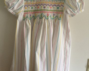 Hand smocked dress ---size 6
