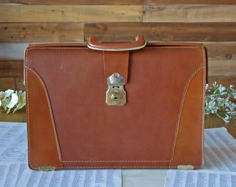 Vintage brown school bag - Leather bag - Doctor style bag - Attache case - Briefcase - Men's bag