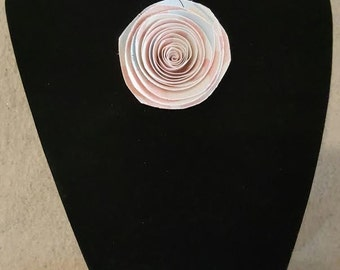 Soliloquy Brooch - Pink/Alternating
