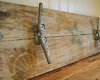 Handmade, Pallet Towel Rack, pallet Coat Rack, Rustic Towel Rack, Rustic Coat Rack - 24""