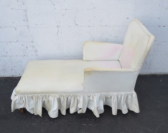 French Chaise Lounge Fainting Couch with Heart Shape 8829