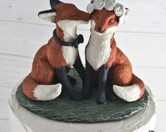 Fox Wedding Cake Topper - Realistic nuzzling