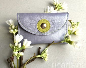 Card holder/ card case in lilac / light purple metallic leather. Womens card case. Gift under 15