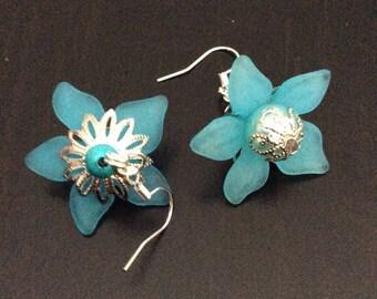 Lucite blue flowers earrings