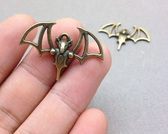 30 pcs of Antique Bronze Bat Charms 23mmx33mm