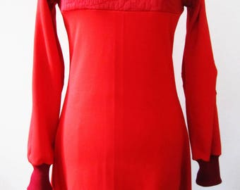 red ball, long sleeves