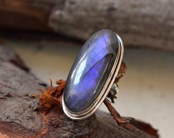 purple labradorite ring,amazing purple labradorite,92.5 silver ring,labradorite ring,labradorite cabochon ring