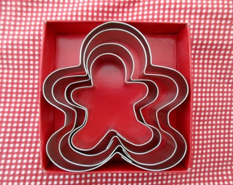 "4 aluminum cookie cutters- gingerbread family - 4.5"",4"", 3.5"", 2.75"""