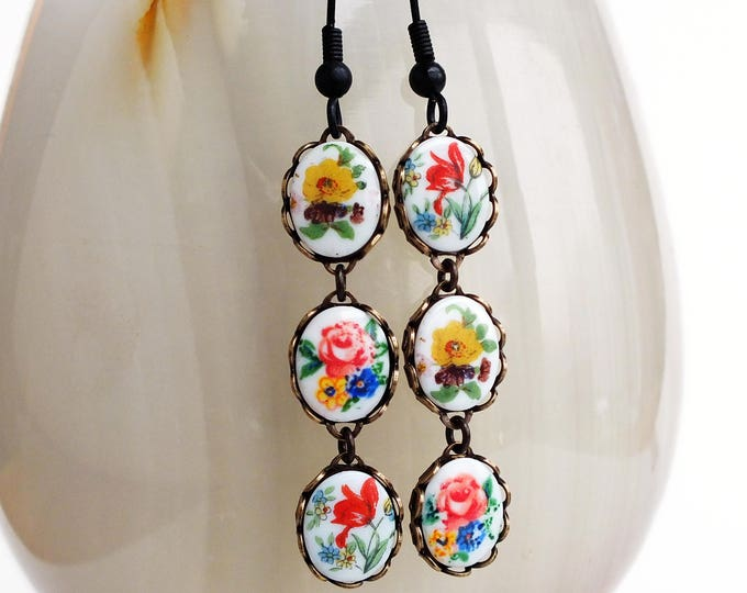 Floral Cameo Dangle Earrings Vintage Flower Cameo Dangles Flower Earrings Victorian Floral Jewelry