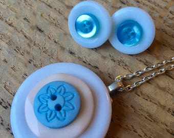 SALE *** Button pendant necklace and stud earring set. Blue, white and beige.