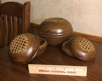 Wooden Bowls Nesting Cane Top