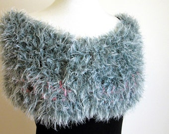 Faux Fur Capelet - Fluffy Stole - Silver Knitted Loop Scarf - Fun Fashion Scarf