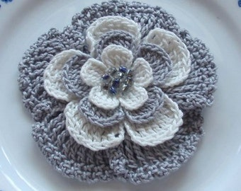 Larger Crochet Flower in 3 inches YH-024
