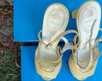 50's Princess Last Amano old hollywood Pin Up style yellow leather 3 inch Heel shoes size 8