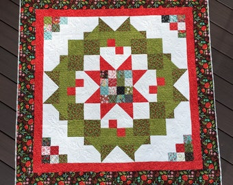 PAPER Pattern: Welcome Home Wreath (Christmas Quilt)