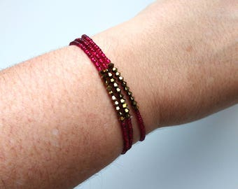 Set of 3 bracelets,sparkly cranberry,seed bead with Swarovski,elastic,stretchy bracelet,seed bead,minimalist,bridesmaid gift,stacking,red