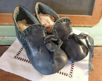 Antique Leather Blue Teal Baby Shoes / Vintage Teal Shoes / Victorian Baby Shoes / Edwardian Shoes
