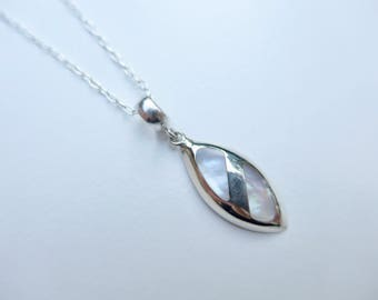 950 silver short necklace / / sterling silver and luminous MOP / / silver chain / / gift for her