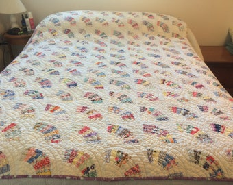 Vintage, hand pieced, hand quilted, 1930s-1940s, double bed fan quilt