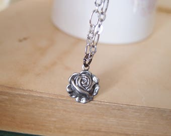 beautiful victorian rose necklace