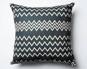 ZigZag pattern cushion cover