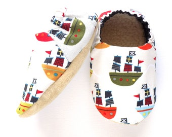Pirate Ships Baby Shoes, Nautical Baby, Size 6-12 mos, Pirate Baby Boy, Baby Booties, Soft Sole Baby Shoes, Slip on Shoes, Baby Shower Gift
