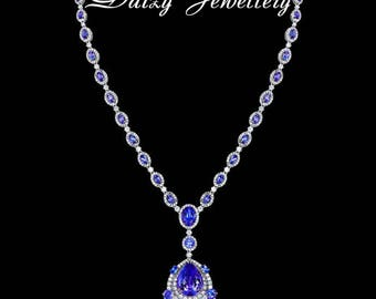 Tanzania Stars. Necklace with 60 ct tanzanites and 6 ct diamonds.