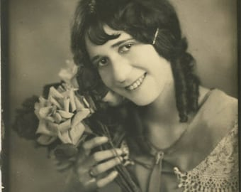 vintage photo 1930 Young Woman Holds Roses Dark Ringlet Hair Proof