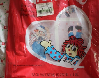 Raggedy Ann and Raggedy Andy  30 VALENTINES Hallmark