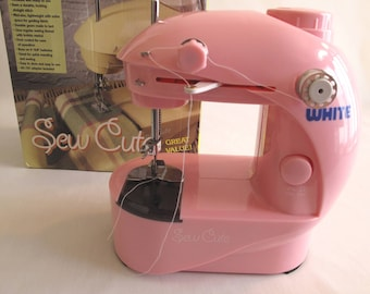 White Sew Cute Personal Sewing Machine Pink Battery AC/DC Excellent Condition In Box