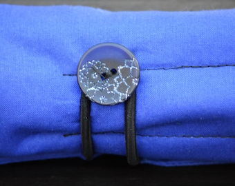 Blue Ink and Cloth Pen Roll