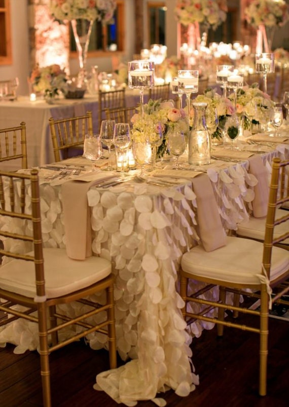 Ivory Round Petal Ruffle Rectangle Tablecloth For Dessert