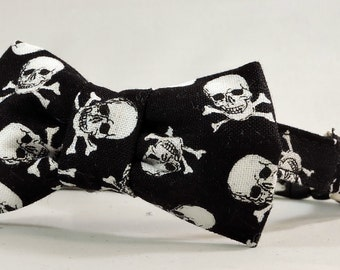 Cat Collar or Kitten Collar with Flower or Bow Tie - Skulls and Crossbones