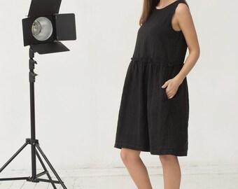 Black linen dress. Loose fit oversized dress. Stonewashed.