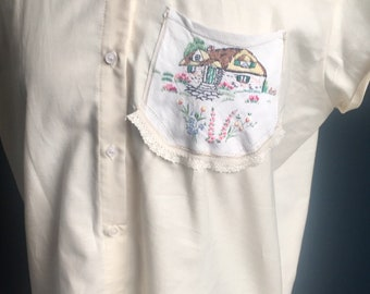 Rockabilly Organic Cotton blouse with Old Vintage Embroidered pocket with lace. Easy to wear design, one of a kind, Eco- Friendly.