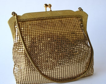 Vintage golden metallic mesh coin purse -retro glam style-