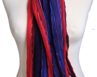 Shibori pleated silk scarf - navy and red