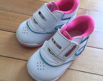 Vintage 1980s Baby Infant Girls Venture Hot Pink White Velcro Sneakers Shoes! Size 3