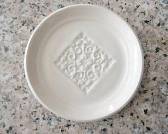 Ring Dish, spoon rest or tea bag holder, glazed in white