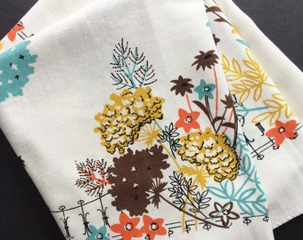 Unique Vintage Abstract Floral Tablecloth Autumn Colors Ironwork Fence Border Pattern 1950s Fifties Retro