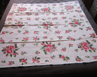 """Vintage Linen 51"""" Kitchen Tablecloth with Vibrant Pink Roses Design"""